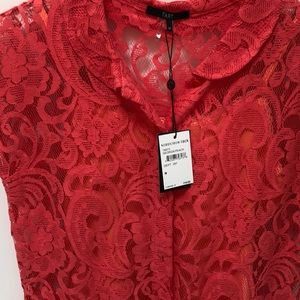 Lace short sleeve blouse. Perfect with white jeans